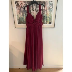 Hayley Paige Bridesmaid Dress / Long / Merlot ❤️